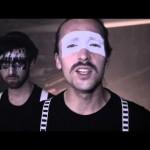 NMZS & Danger Dan (Antilopen Gang) – Lebensmotto Tarnkappe (Video)